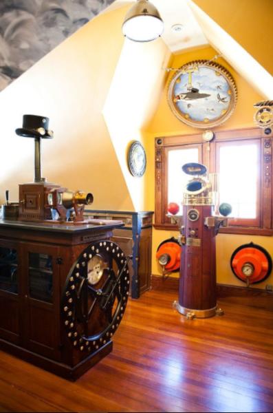 steampunk decor books